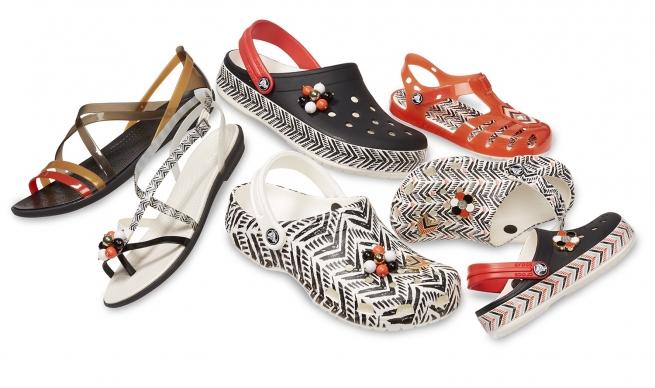 В универмаге «Цветной» открылся pop-up магазин Crocs
