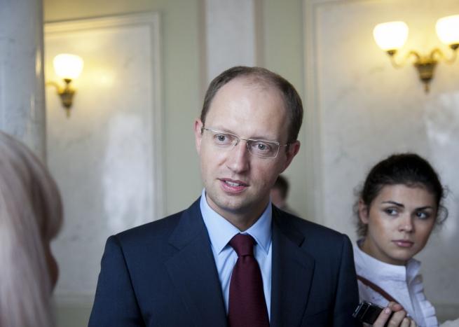 Яценюк заявил о введении аналогичных мер на российские торговые санкции