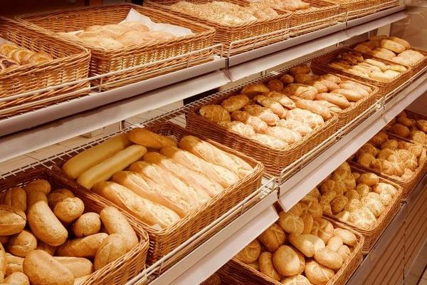 Хозяин пекарни во Франции получил штраф на €3000 за усердную работу