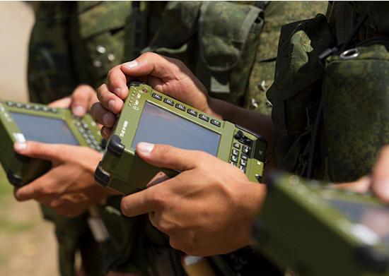 В России выпустят планшет для военных с отечественной ОС