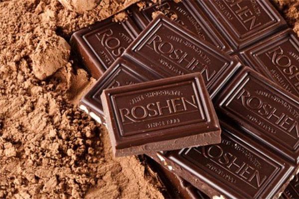 Roshen выпускала шоколад «с 23 февраля» в обход запрета праздника на Украине