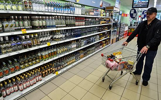Власти хотят запретить продажу алкоголя в пластике