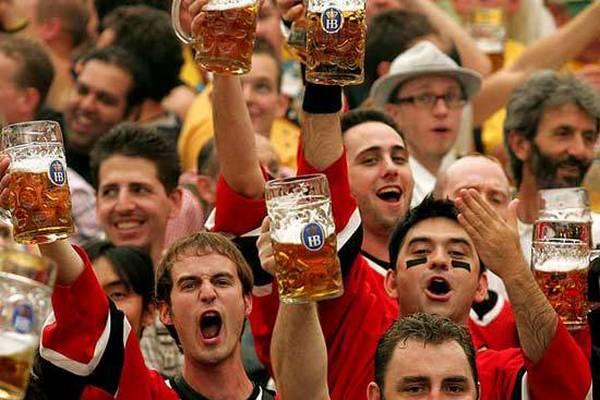 Болельщики выставили оценки пиву, которое продавали на стадионах