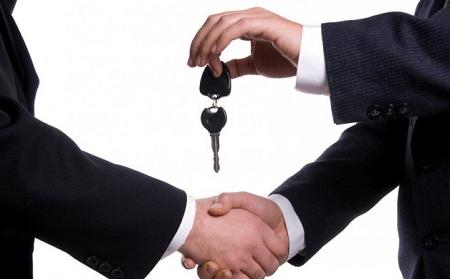 Продажи легковых автомобилей в России упали на 11,6% за 11 месяцев 2014 г