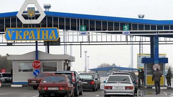 Белорусы скупают товары на Украине