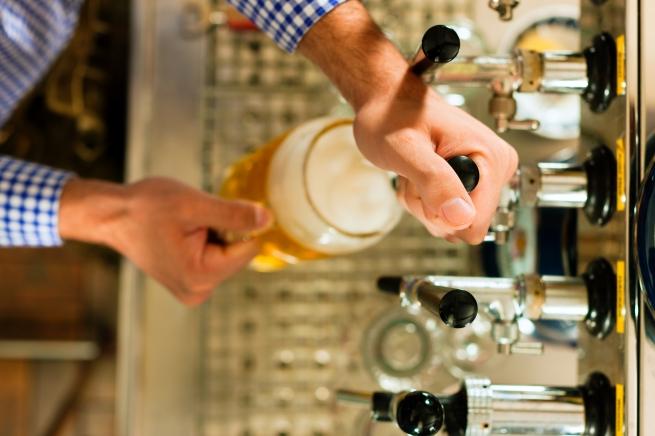 «Оболонь» требует обнародовать результаты исследований запрещенного в РФ пива
