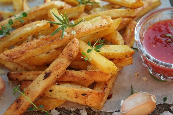 В России предложили запретить ввоз картошки фри в ответ на санкции США