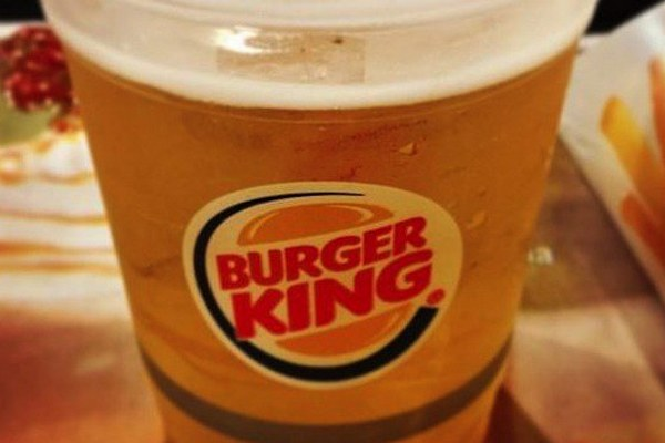 Burger King променял Efes на «Балтику»