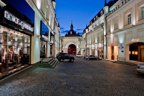 Объем вакантных площадей в помещениях стрит-ритейла на Садовом снизился на 41%