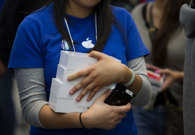 В российских магазинах возник дефицит iPhone