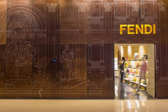 Fashion-дайджест: интернет-магазин Fendi и закрытие 80 магазинов Melon Fashion Group