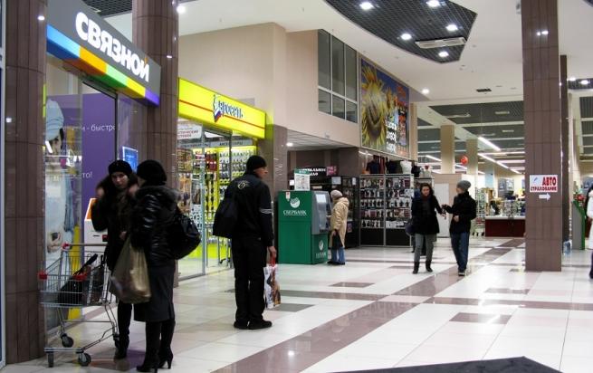 """""""Евросеть"""" и """"Связной"""" резко увеличили закупки смартфонов"""