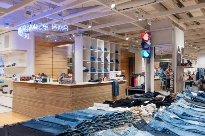 В московском ЦУМе откроется «бар» для кастомизации джинсовых вещей