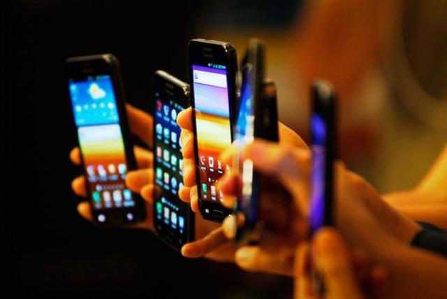 «М.Видео»: рынок смартфонов показал рост в натуральном выражении впервые с 2014 года