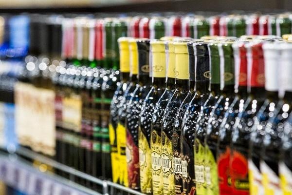 ФАС предложила добавлять в дешевый алкоголь компоненты с рвотным рефлексом