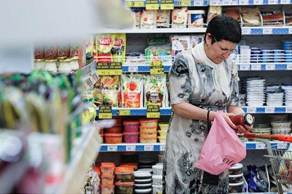 Россияне стали меньше тратить за один поход в магазин