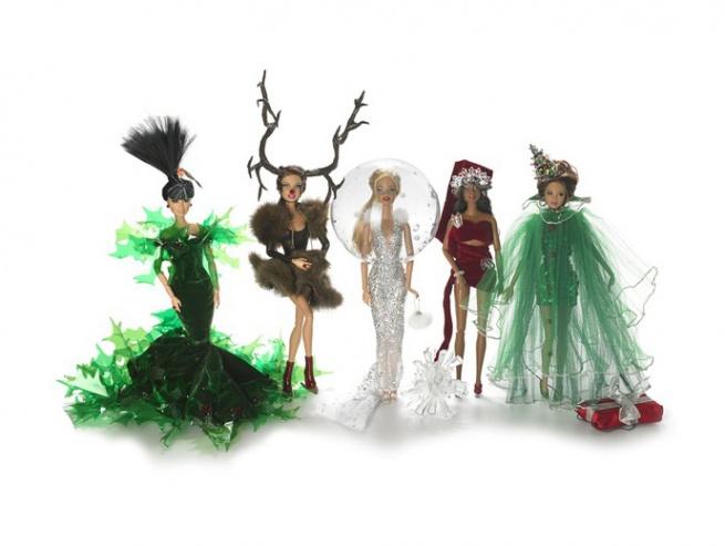 Барби одели к Рождеству