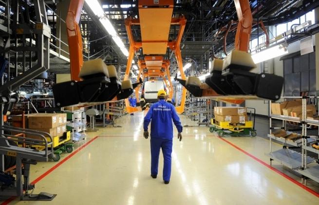 АвтоВАЗ сократит 700 руководителей и специалистов