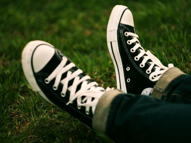 Кеды и высокие каблуки остаются в России