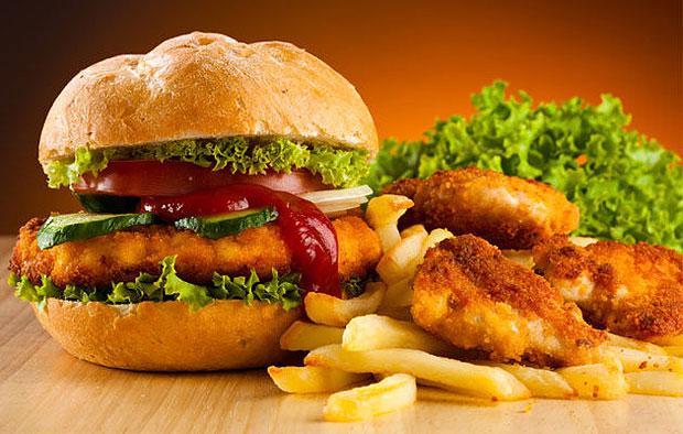 Биологи нашли способ не толстеть, питаясь фастфудом