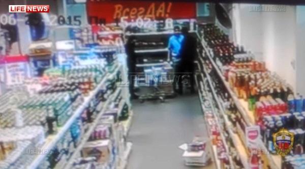 Охранник «Пятерочки» объяснил избиение покупателя