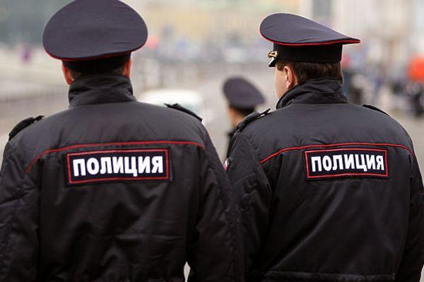 Трех мужчин арестовали в Москве за кражу 100 кг красной икры