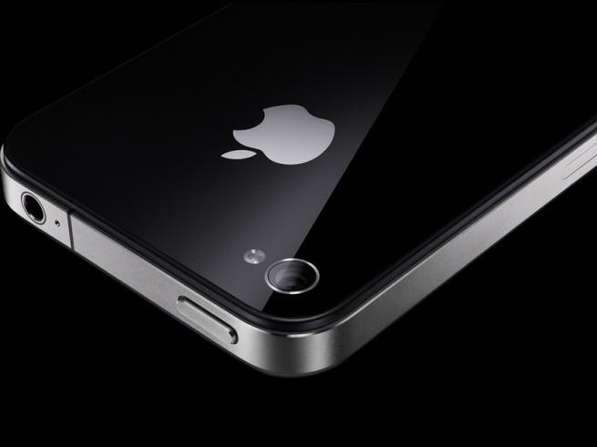 Производство двух новых iPhone начнется в июле