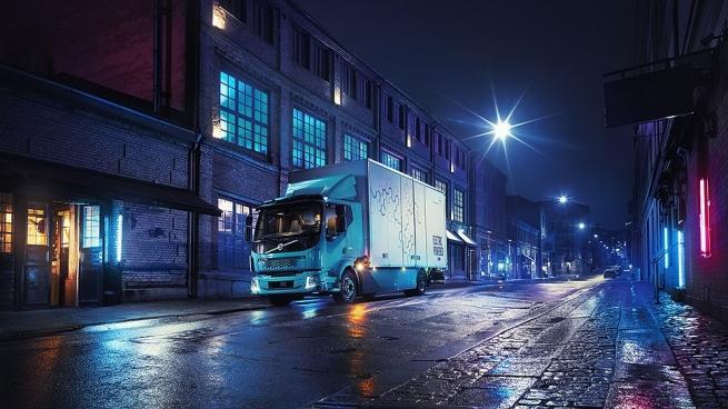 Volvo представил первый серийный электрогрузовик FL Electric
