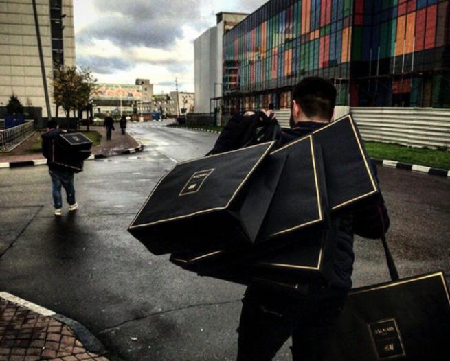 Коллаборация H&M и Balmain вызвала истерию среди покупателей
