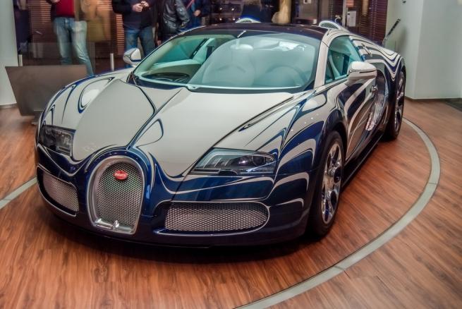 Россиянину начислили налог в 540 тысяч рублей за Bugatti Veyron