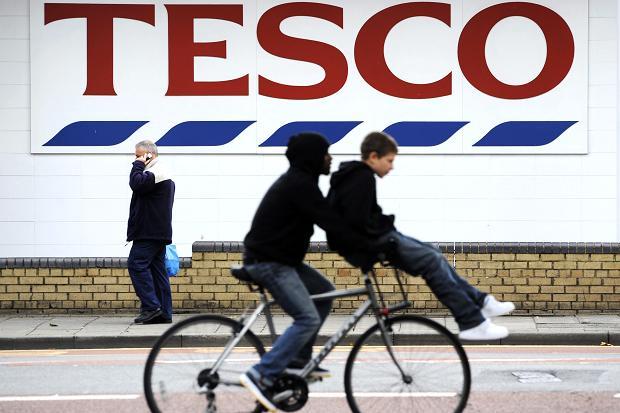 Мировой ритейл: распродажа Tesco, экспансия Topshop в Австралии и токсичная мода