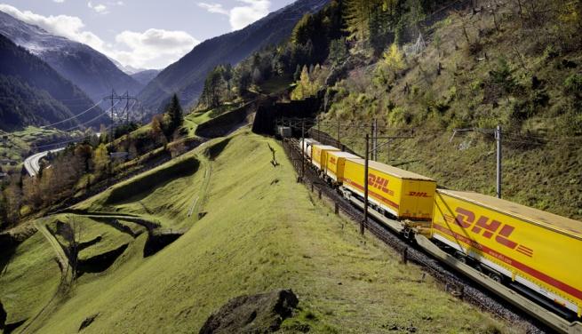 Фирмы доставки просят ввести специальные вагоны для посылок