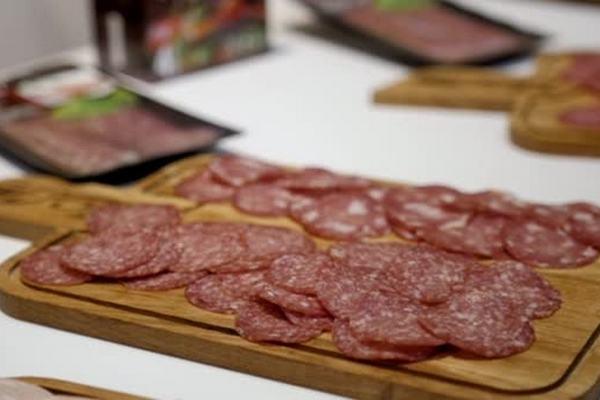 «Мираторг» начал выпускать колбасу