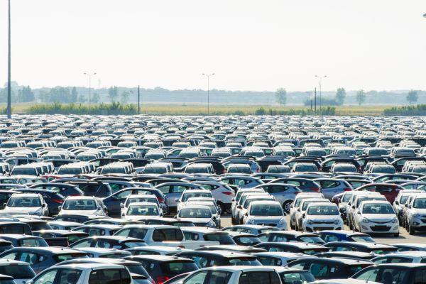 Названы автомобили, которые подорожают в 2016 году