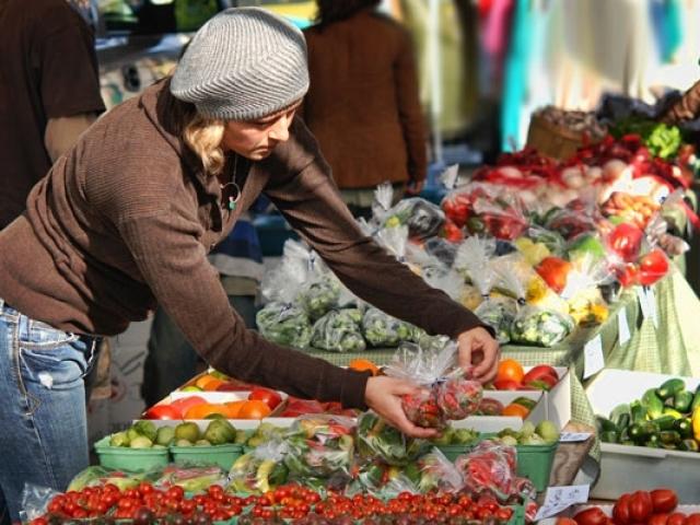 Около 70% россиян доверяют качеству отечественных товаров