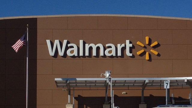 Walmart извинился за оружие в рекламе начала школьной торговли