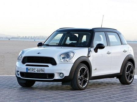 MINI снимает с производства сразу две модели автомобиля