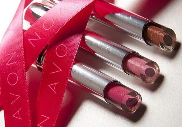 Avon может продать свою компанию или североамериканское подразделение
