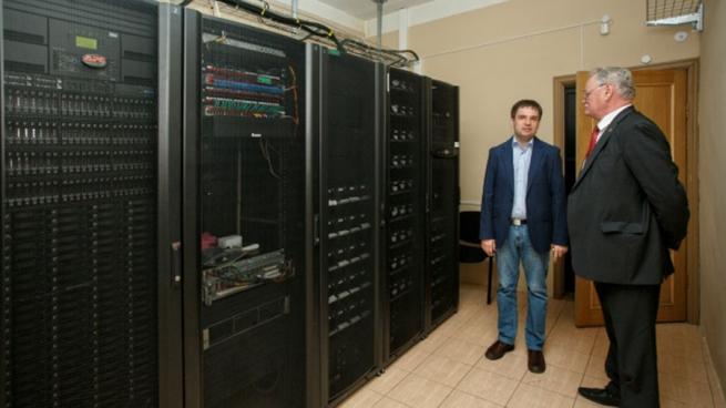 Компьютер мощностью 55 трлн операций в секунду создали в России