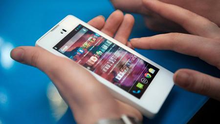 Продажи смартфонов «второго эшелона» снизятся в 2015 году
