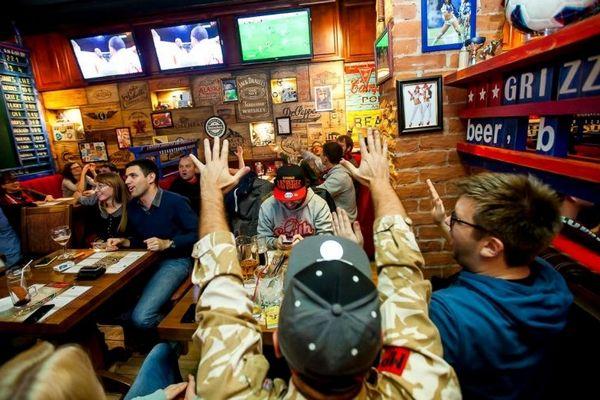 Продажи пива в заведениях на Никольской улице взлетели в 20-30 раз на фоне ЧМ-2018