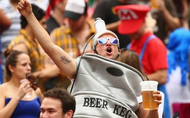 Совет Федерации одобрил возвращение рекламы пива на стадионы