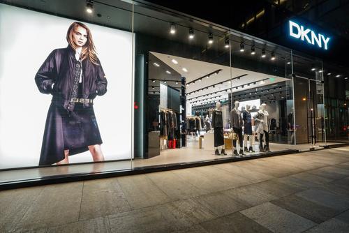 Владелец Calvin Klein приобретет бренды Donna Karan и DKNY