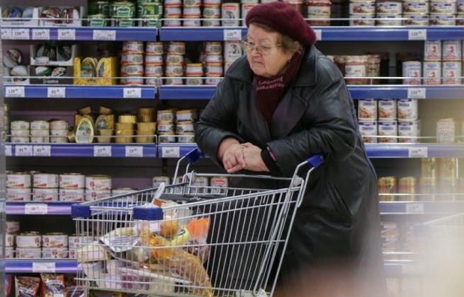 84% россиян экономят даже на продуктах