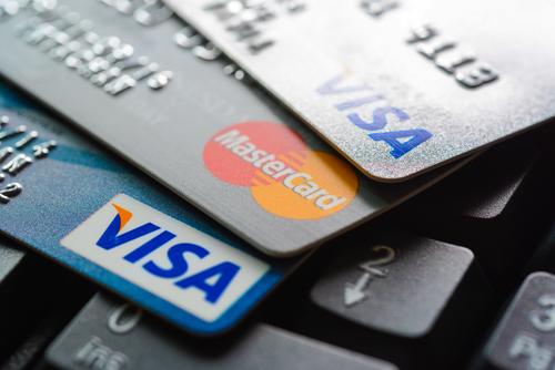 Крупнейшие ритейлеры пожаловались на Visa и MasterCard