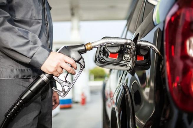 Россия попала втоп-10 стран сдешевым бензином