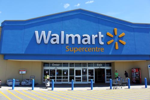 Walmart планирует уволить около 1 тыс. сотрудников