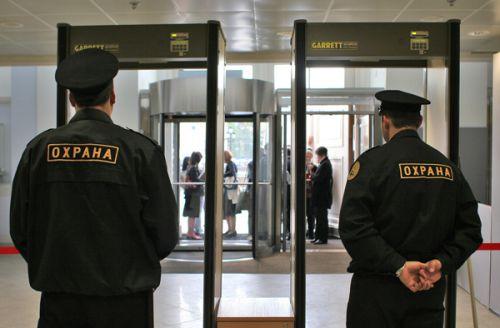 После смерти блокадницы в Петербурге проверят охранников торговых точек