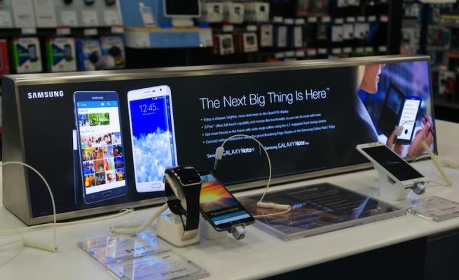 Samsung предлагает обменять старые телефоны на новые