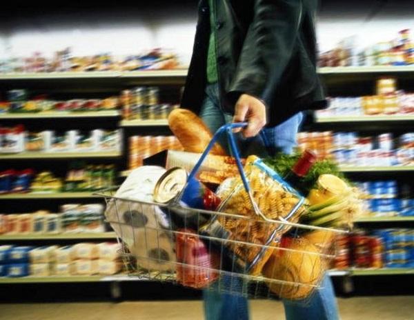 Крупнейшие ритейлеры заморозят цены на продукты